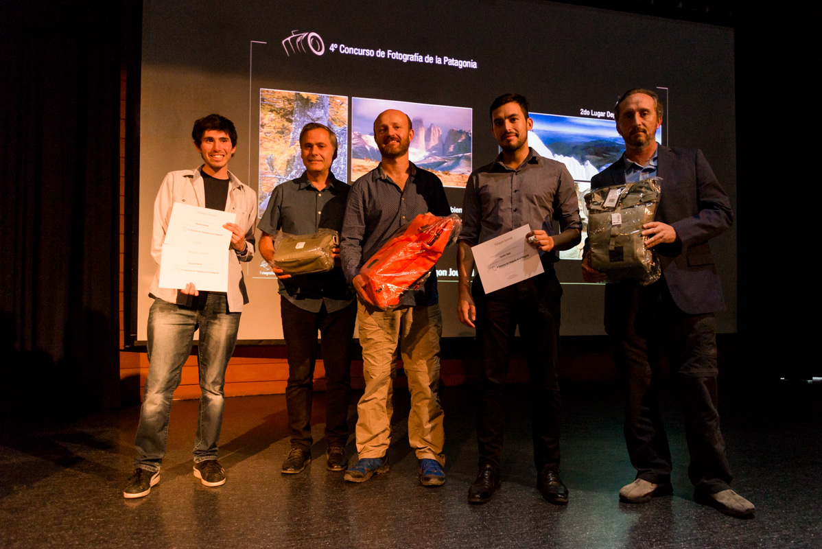 Some of the winning photographers with Pablo Valenzuela, Jean Paul de la Harpe and Andres Caques of Cuarto Digital.