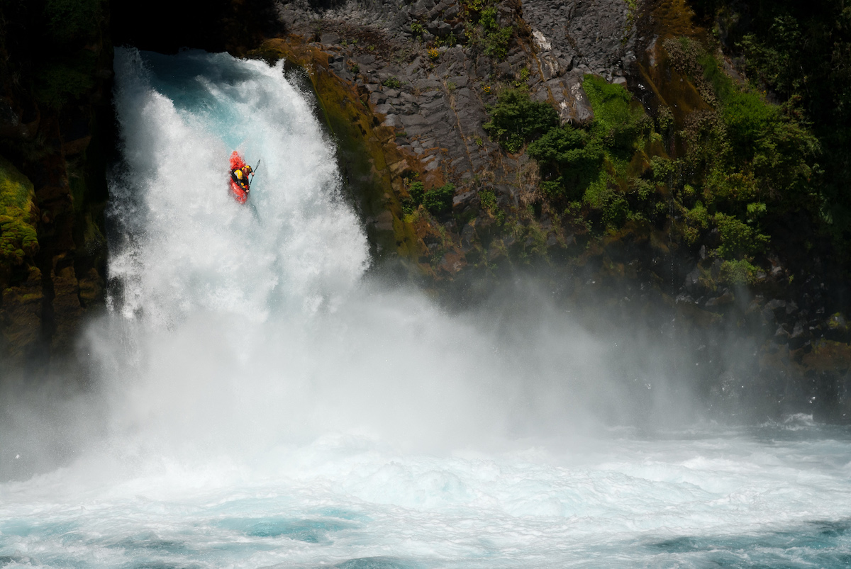 Kayak on the middle section of the Fuy River. Photo: Jakub Sedivy