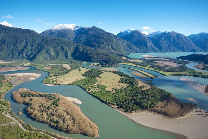 El valle del Río Puelo. Foto: Andres Amengual